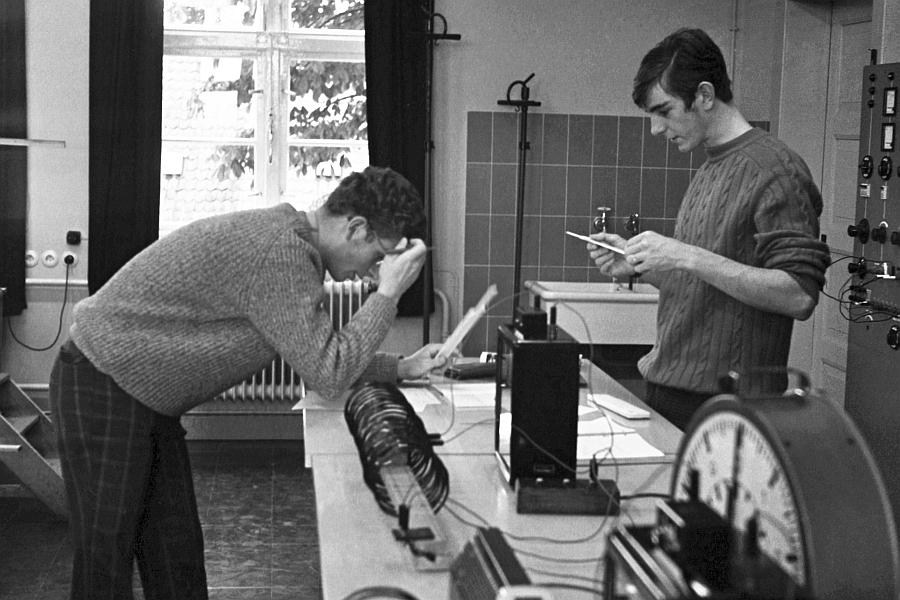 KHS - Physikunterricht  - Foto: Manfred Rakoschek (1968)