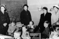 10. April 1956 - links: Axel, rechts: Thies, links daneben: Klaus