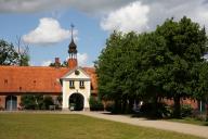 Gut Damp - Torhaus (Blick von der Hofseite) - Foto: Holger Petersen (2009)