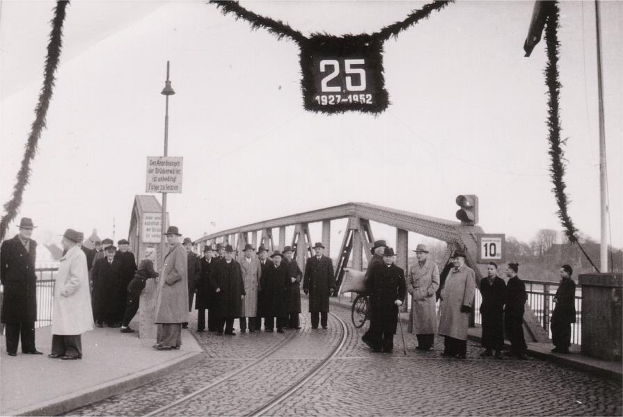 Kappeln - 25 Jahre Drehbrücke in Kappeln (1952) - Foto von Eckhardt Schmidt aus dem Stadtarchiv Kappeln