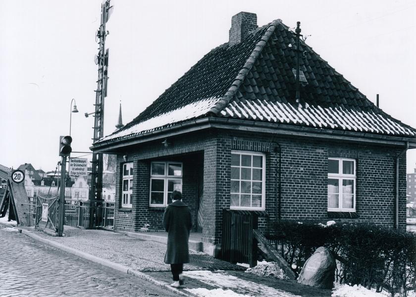 Drehbrücke in Kappeln (1954) - Foto von Eckhardt Schmidt aus dem Stadtarchiv Kappeln