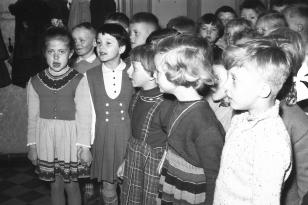 10. April 1956 - Regina, Ingwer, Renate, Thies, Ingeborg, Elisabeth, ganz hinten: Achim