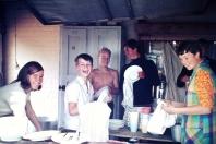Weseby - Küche (man hilft ja gerne) - Foto: Heino Küster (1968)