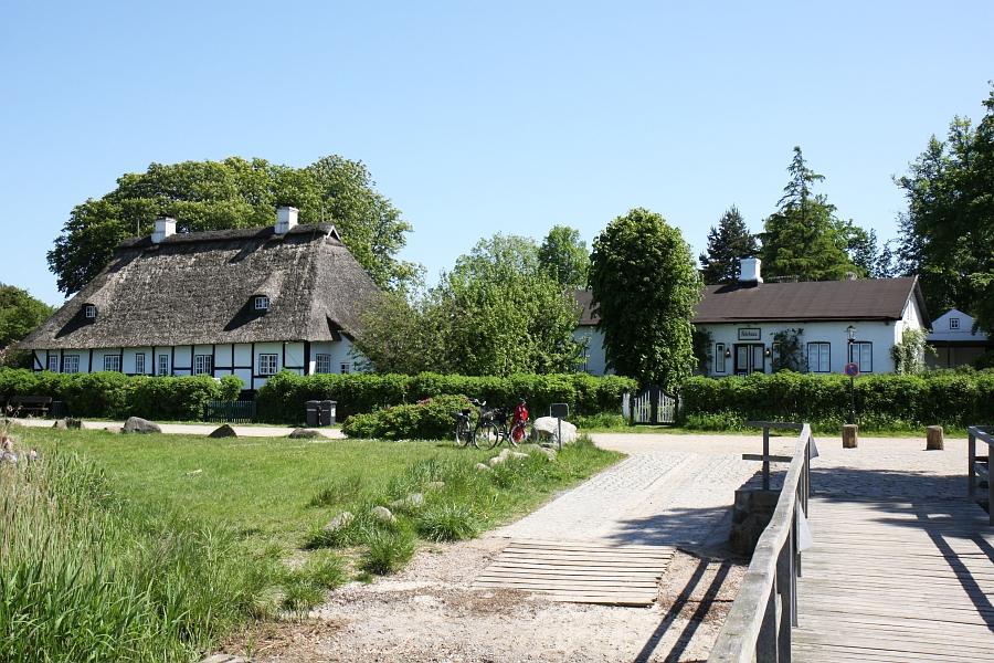 Sieseby - Fährhaus (Blick vom Anleger) - Foto: Holger Petersen (2009)