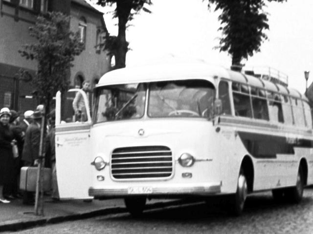 Schulzeitreisebus - Foto: Manfred Rakoschek (1966)