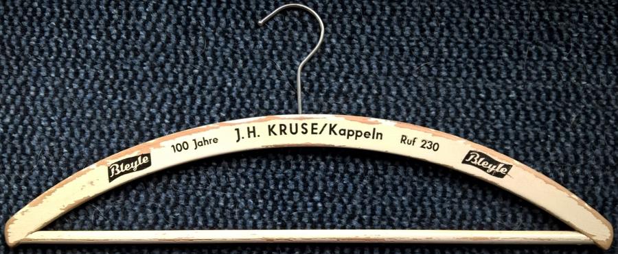 Kleiderbügel von J. H. Kruse - Foto: Katrin Wummel (28.02.2016)