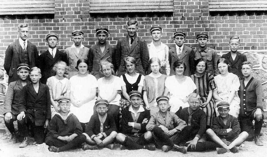 Klaus-Harms-Schule - Klassenfoto von 1925 (aus der Festschrift 1998)
