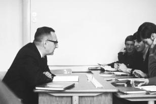 Klaus-Harms-Schule - Oberstudienrat Fritz Reinhardt (1969) - Foto: Manfred Rakoschek