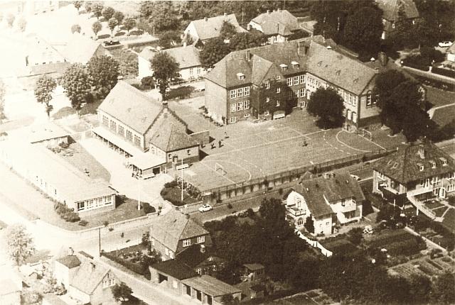 Klaus-Harms-Schule (1966) - aus der Schulchronik von 1998